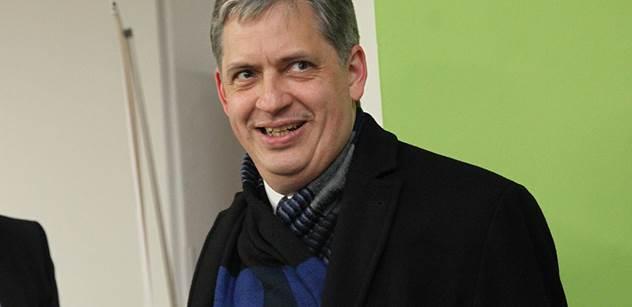 Ministr Dienstbier: Apeluji na ministra financí, aby lépe plnil své úkoly