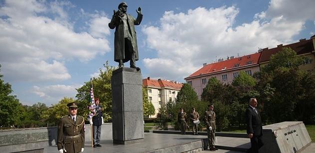 Proč bych měl Rusům leštit generálské holínky? rozčiluje se starosta kvůli Koněvovi