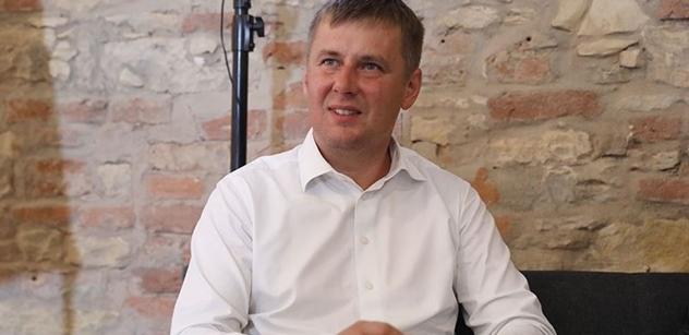 Ministr Petříček: Lidé nesmějí platit za neschopnost magistrátu