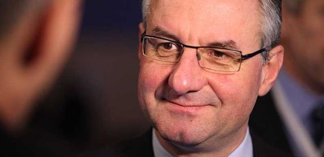 Zahradil roztrhal ministra Petříčka a řekl velmi vážná slova k migrační krizi a brexitu