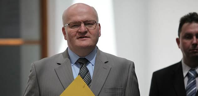 Vlastimil Podracký: Daniel Herman nejspíš lže! Přesto je podle Pražské kavárny vinen prezident