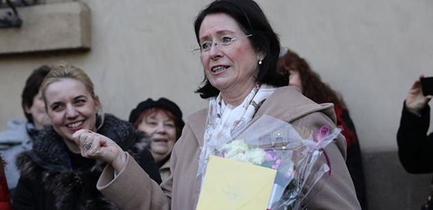 Němcová se před demonstranty zcela odvázala: Naskočilo mi 11. září 2001. Atak Babiše je enormní!
