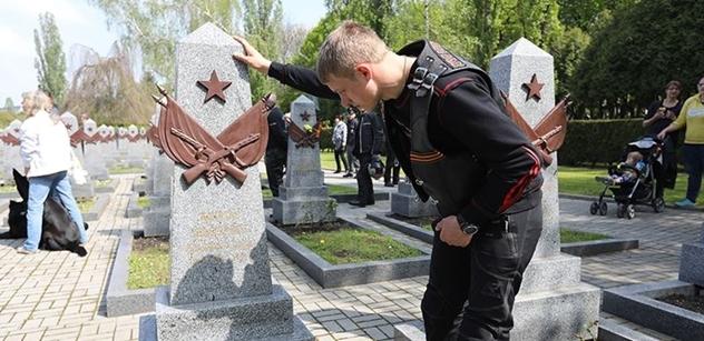 Lžou. Není to pravda. Jen 30 mrtvých ze SSSR. Havlova knihovna výbušně o Rusku, Koněvovi a 2. světové
