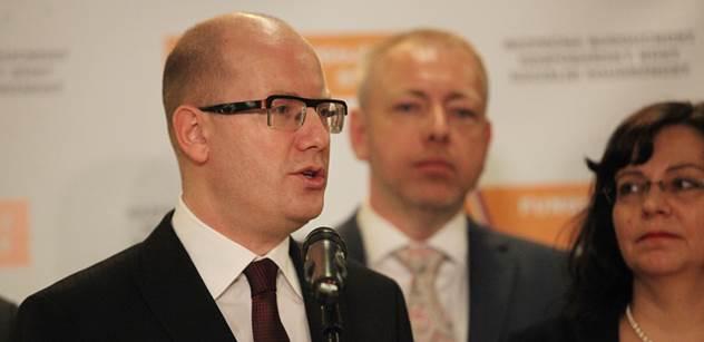 Premiér Sobotka: Odsouhlasili jsme mimořádný příspěvek pro důchodce