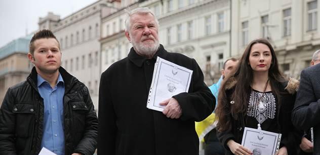 Jaromír Štětina představil, s kým chce zachraňovat Evropu. Mimo jiné s oplakávaným rozhlasovým exředitelem Fischerem