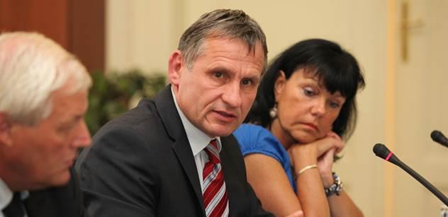 Lidovec Jiří Čunek se starostou Vsetína nestal, chyběl jeden hlas