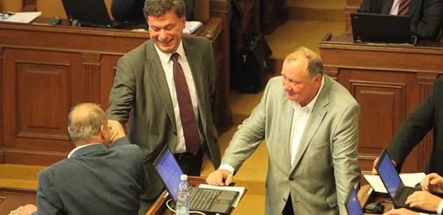 Kalousek lže, hlásil ve sněmovně Andrej Babiš kvůli daním. A narazil na Laudáta z TOPky