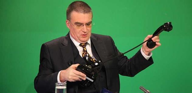Zemanova ostuda? Exministr Žák, který jel načerno, stále radí prezidentovi