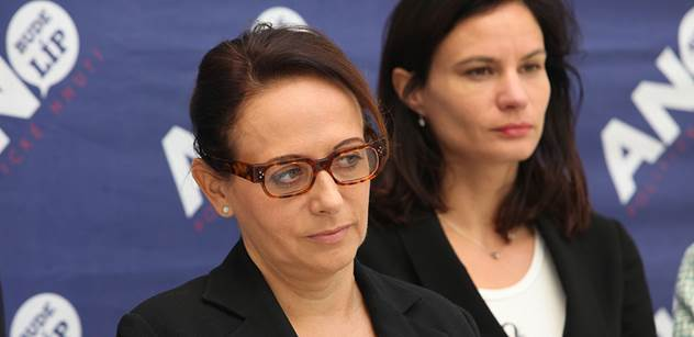 Pražští zastupitelé museli přerušit jednání, na kterém volí primátorku i další vedení