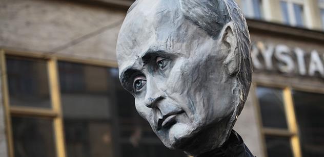 Rusové jsou jako malé děti. Všichni. Nezodpovědnost, debilita, agrese. Tak naivní národ jinde na světě není, tvrdí novinář