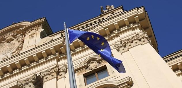 """""""Další nařízení EU, které nemá nic společného s logikou"""". Snaha zakázat všechno všem. Národní asociace obrany svobod se staví na odpor"""