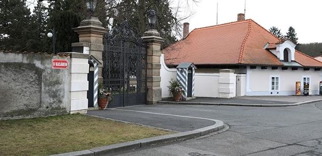 FOTO Premiér Babiš večeří s prezidentem Zemanem v Lánech