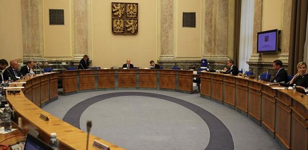 Vláda zahájila debatu o konvergenčním programu a výdajových rámcích