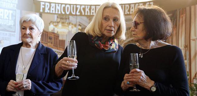 Hrdinky do potemnělé doby: K výročí listopadu 1989 vychází kniha rozhovorů s Martou Kubišovou a Kamilou Moučkovou