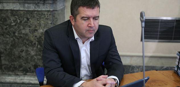 Ministr Hamáček: Obíhat mají data, nikoliv lidé