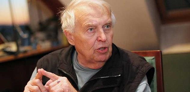 Spisovatel Pavel Kohout: Mašínové by měli dostat vyznamenání. Ale měli by se omluvit