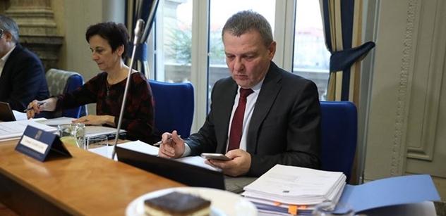 Ministr Zaorálek: Návrh je výsledkem konsenzu mezi knihovníky, vydavateli a ministerstvem