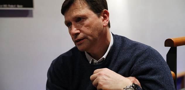Hovado, grázlové! Jan Hrušínský se čílí kvůli Zemanovi a Koněvovi. Zaútočil i na ParlamentníListy.cz