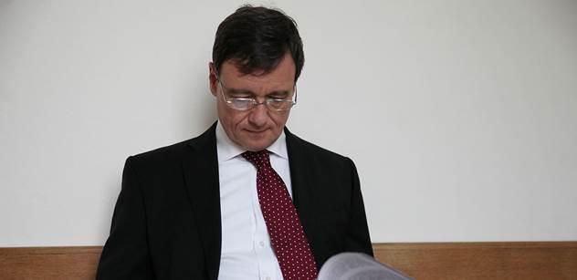 Nikomu nevznikla žádná škoda, brání se Rath před soudem v závěrečné řeči. Chce mluvit dva dny