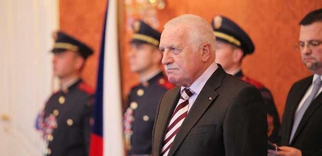 Státní zástupci proti Klausovi a jeho odůvodnění amnestie