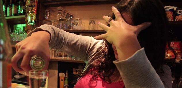 Důsledek zavřené republiky na jaře: Narvané léčebny, lidé začali pít