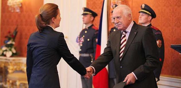 Klaus se půjde rozloučit s ministry, jednání vlády se však nezúčastní