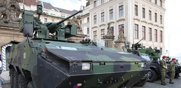"""Budeme zbrojit na obranu Litvy, Lotyšska a Estonska, které nikdo nenapadá, na """"osvobození"""" Krymu, nebo proti Rusku?! Vojenský analytik povstal proti Stropnickému a vytáhl ceník"""