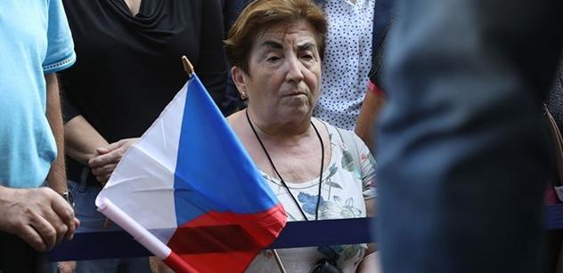 Ztráta důvěry v demokracii. Putin? Nejen zde. Experti řešili rostoucí příklon k Rusku