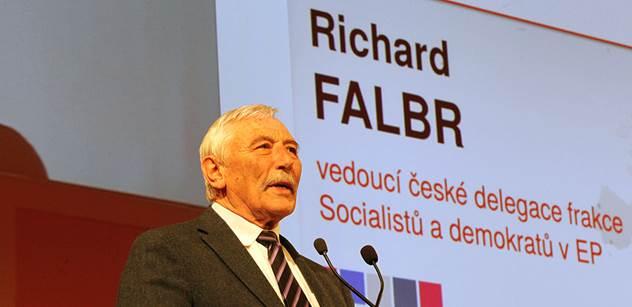 Aktivita českých europoslanců byla podprůměrná. Nejlínější byli dva členové ČSSD
