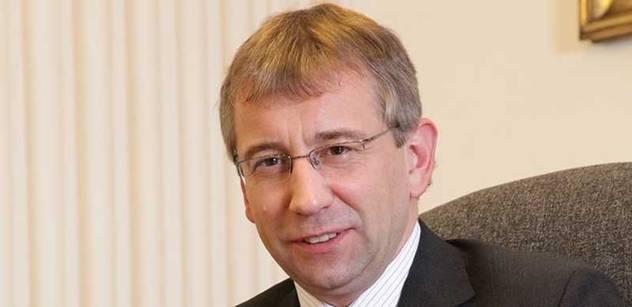 Ombudsman: Nutit nezaměstnané hlásit se na poště? To ne, Drábku