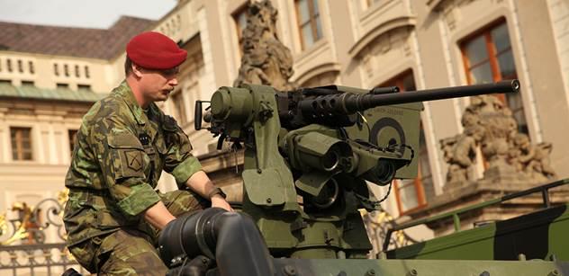 Nejen německá armáda je v hrozném stavu. Zbrojní expert přináší ohromující zprávy také o té české: Od roku 1993 zmizelo více než 10 tisíc tanků, transportérů, letadel, náklaďáků...