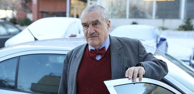 Rozezlený Schwarzenberg svolal poslance, aby odsoudili výroky Zemana o Krymu. Jenže...