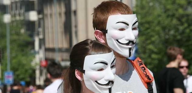 Anonymous splnili hrozby a zablokovali stránky čtyř politických stran