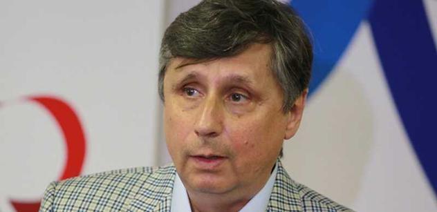 Průzkum Median: Fischerovi klesá podpora, Zeman dotahuje