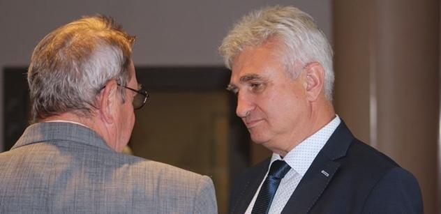 Štěch zaútočil na Zemana: V žádné jiné demokratické zemi by se prezident takto nechoval