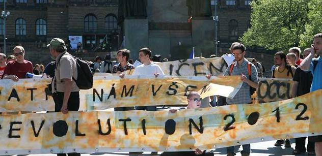 Začala Světová revoluce? Ve stovkách měst protesty