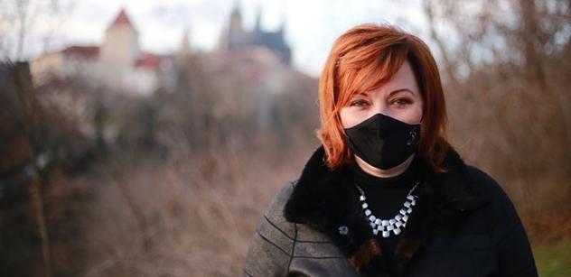 Ministryně Schillerová: Cenově dostupné respirátory pro všechny