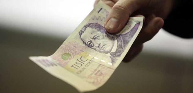 Známý podnikatel ukazuje, jak se šmelí naše peníze a co se musí stát