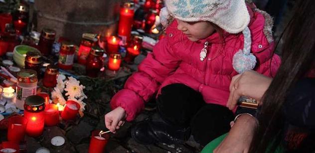 Světový mediální mogul a autorka Harryho Pottera se pohádali kvůli muslimům po masakru Charlie Hebdo