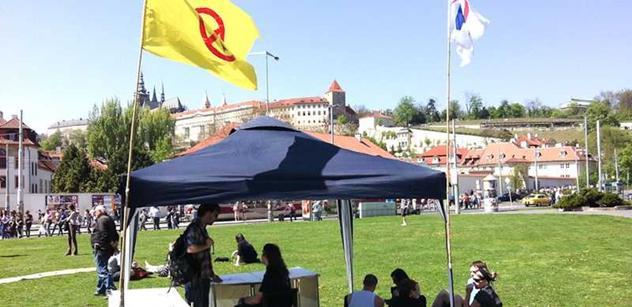 Česká vzpoura: Dnešní prasata se nijak neliší od těch komunistických