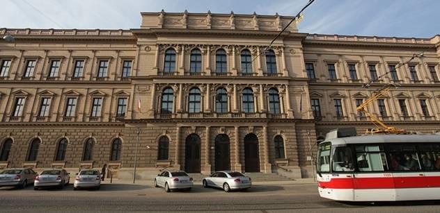 Případné spory o prezidentské kandidáty bude řešit plénum Ústavního soudu