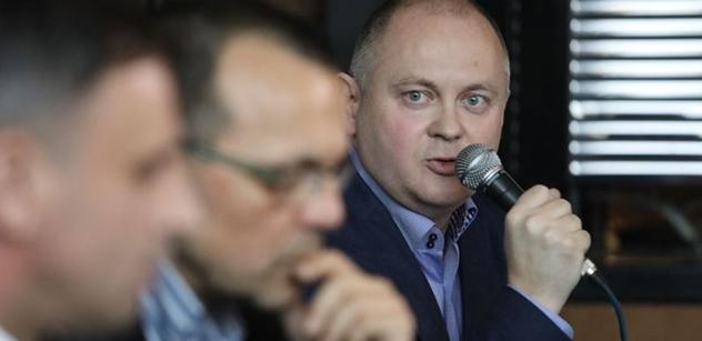 Záchranářská platforma ČSSD předložila požadavky na jednání s Babišem. Podepsali je Zimola, Hašek nebo Foldyna
