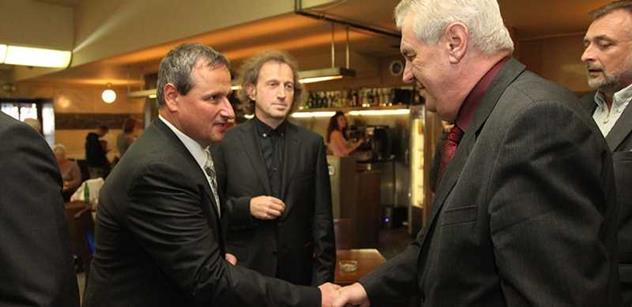 Poslanec Komárek slyšel, že Andrej Babiš má být premiérem. A sdělil nám k tomu...