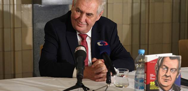 Dejte uprchlíkům langusty, šampaňské, kaviár... Miloš Zeman hovořil o členovi ČSSD, který jej nazval pitomcem, a musel se smát. A to zdaleka nebylo vše