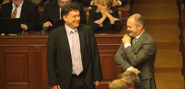 Senát chce omezit dary politickým stranám. Marek Benda nechápe proč