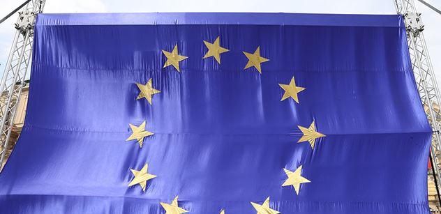 """""""Bliju."""" EU a neziskovky určí, jaké názory trestat. A Brusel si může hezky počíst"""