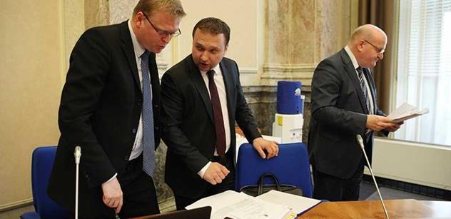 Sobotkův kabinet bude řešit situaci v OKD. Vrátí se i k otcovské dovolené