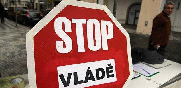 Slávek Popelka: Vláda i jiné orgány moci se dopustily vlastizrad