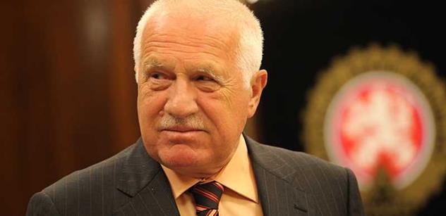 Václav Klaus v německých novinách kroutil hlavou nad Merkelovou