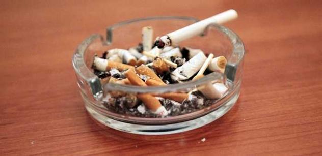 Změna v rakouském protikuřáckém zákoně. Od května si zde mohou v restauracích opět zapálit cigaretu